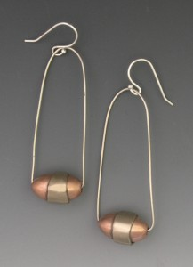 t-Oval bead earrong