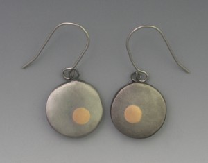t-Circle earrings
