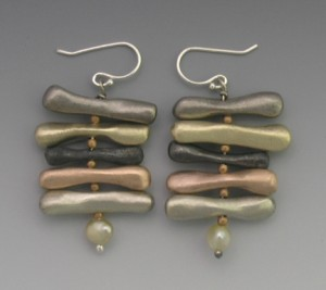 t-Pear;grey earrings