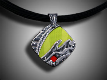 Green-red CD necklace