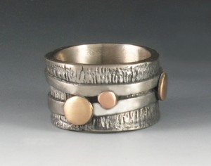 White Satin ring with bronze and copper